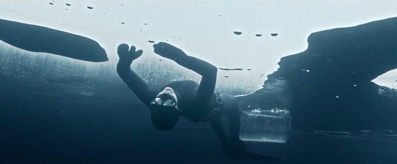 Johanna Nordblad dive under the Arctic ice